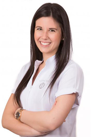 Dra. Belén Martínez Salmerón - estetica dental - branemark madrid
